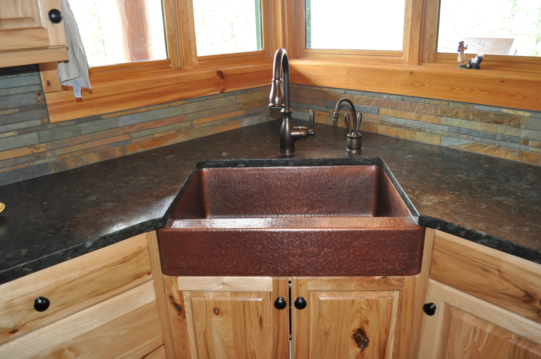 Rustic Cabin Kitchen Sinks